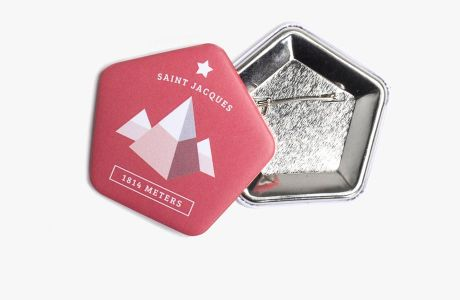 Customized pentagonal badges | Camaloon