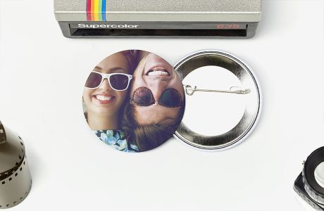 Round customized buttons | Camaloon